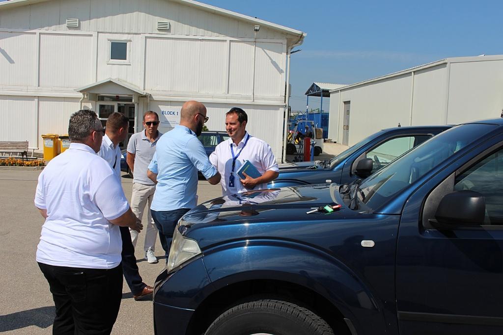 Ministrisë së Administratës Publike i dhurohen automjete