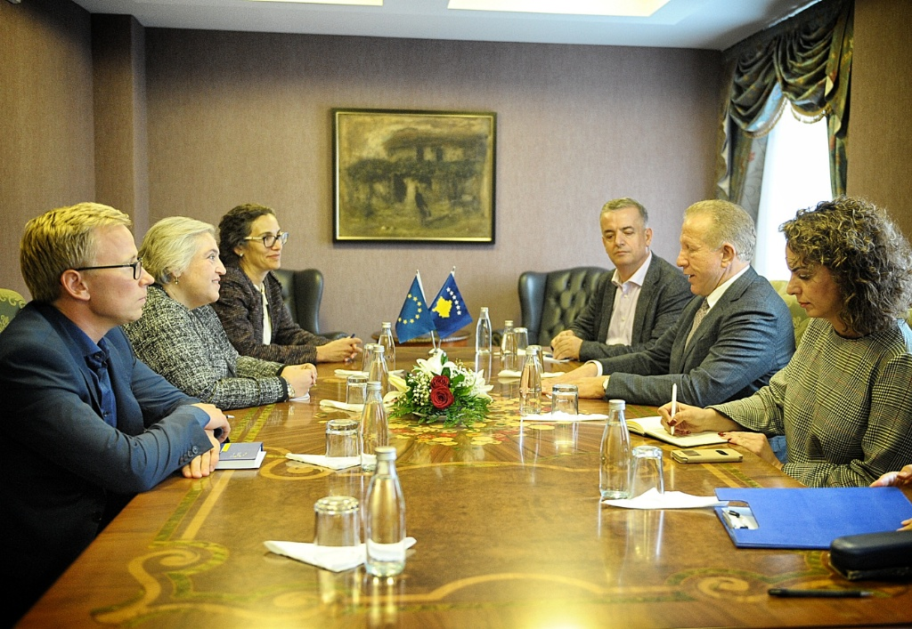 The Head of EULEX meets the new Minister of Foreign Affairs